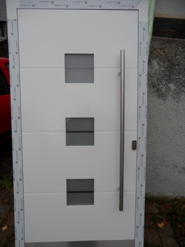 Haustüren alu weiß  Ausstellungs-Haustür Alu weiss flügelüberdeckend, Einzelstück ...